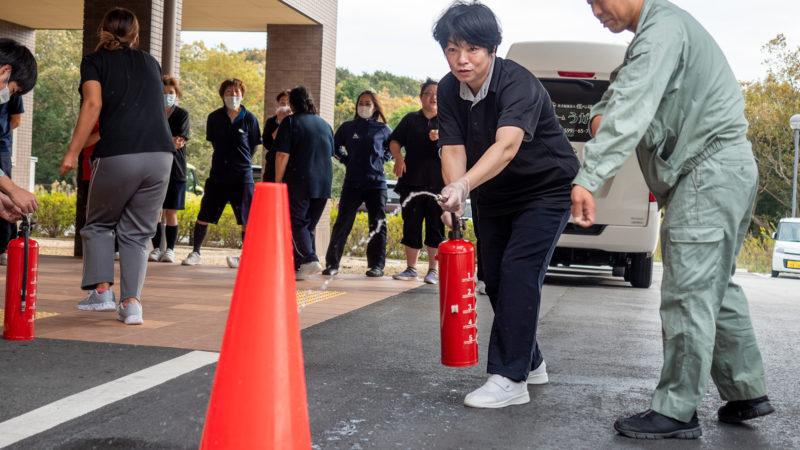 豊和グループで本番さながらの防災総合訓練が行われました。