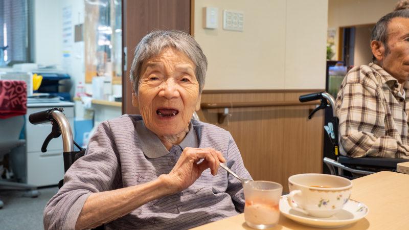 9月のデザートはいちごのフルーチェ♪ふたみ苑で「Cafeふたみ」を開催!