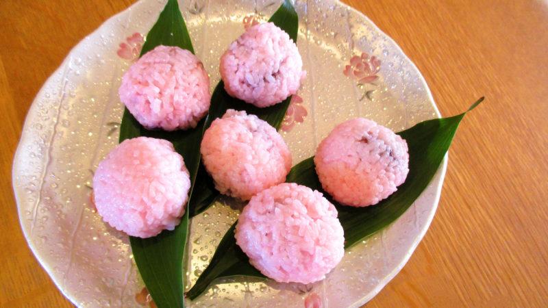 桜色のおはぎをご提供!あらしま苑でひな祭り喫茶を開催しました!