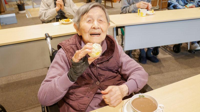 みかんで免疫力アップ!ふたみ苑で2月の喫茶を開催しました!